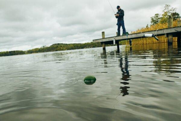 deeper chirp+ zarzucanie za pomocą wędki w jeziorze
